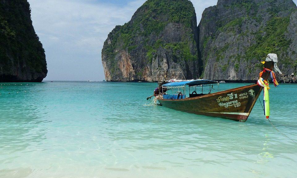 plage bateau à queue thailande