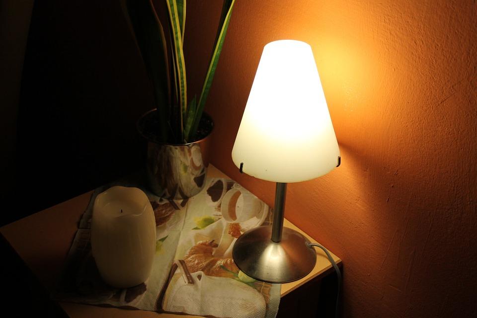 Choisir Blog Chevet Bois– Sa Maman Lampe Comment Débordée En De D'une tshCrQd